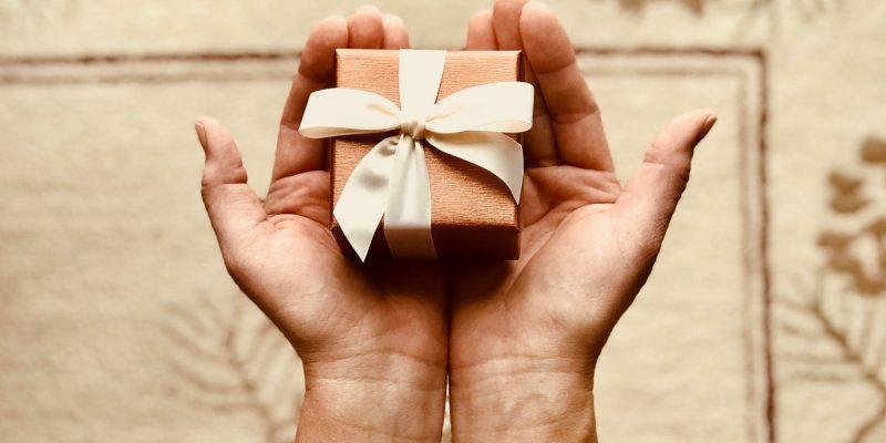 Supermoč promocijskih daril: Zakaj jih ljudje preprosto obožujejo?