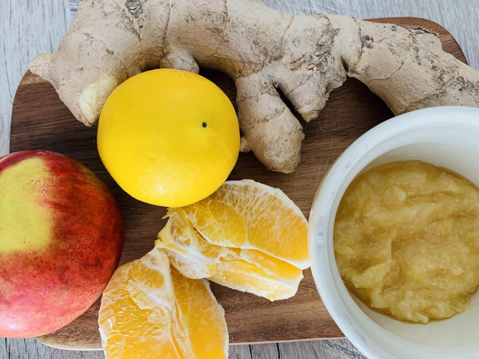 Napitek iz pomaranče, jabolka, limone, ingverja in medu