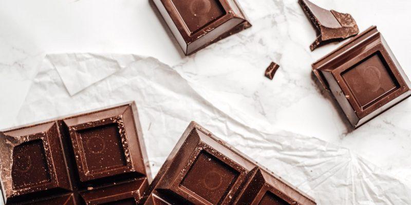 Je čokolada dobra za vas? Prednosti in slabosti uživanja čokolade